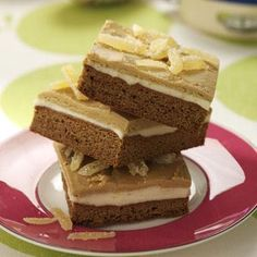 Layered Gingerbread Bars Recipe from Taste of Home -- The bottom layer tastes like a cookie, the middle layer features smooth buttercream and the top layer is a luscious frosting. Christmas Desserts, Christmas Treats, Christmas Goodies, Holiday Baking, Christmas Baking, Gingerbread Bar Recipe, Cookie Recipes, Dessert Recipes, Poblano