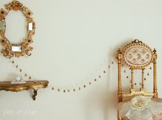 Loving splashes of pink and gold together. Valentine's Day is around the corner. Simple Christmas, Christmas Home, Simple House, Home Decor Inspiration, Pink And Gold, Valentines Day, Gold Necklace, Brass, Romantic