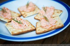 Smoked salmon pâté is a tasty & simple salmon recipe. Making homemade smoked salmon pate will take a few minutes. You need smoked salmon & double cream. Easy Salmon Recipes, Fish Recipes, Seafood Recipes, Gourmet Recipes, Cooking Recipes, Healthy Recipes, Potato Appetizers, Easy Appetizer Recipes, Yummy Appetizers