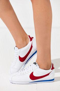 super popular 25be6 b2f82 Nike Classic Cortez Sneaker
