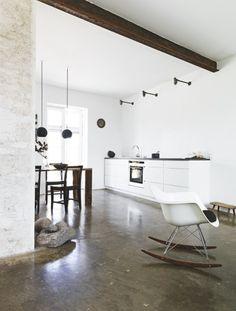 concrete floor //