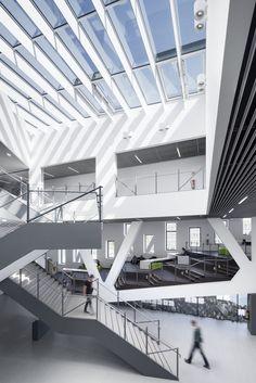 HÖRSAALGEBÄUDE OSNABRÜCK by Benthem Crouwel as Architects