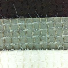 Fabric between industrial and handcrafted. Some loops and yarns give the appearance of hairy.  Textil realizado entre lo industrial y lo artesanal. Algunos pelos o tiras tejidas le dan la apariencia de pelos sueltos.