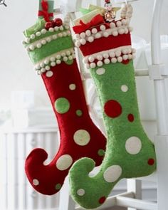 40 Brilliant Ideas How to Use Christmas Stocking for Your Decoration - Dailypatio Whoville Christmas, Whimsical Christmas, Noel Christmas, Merry Little Christmas, Retro Christmas, Christmas Sewing, Christmas Projects, Advent Calendar Diy, Modern Holiday Decor
