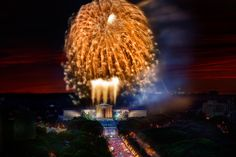 Fourth of July Fireworks over the Philadelphia Museum of the Art (Photo: G. Widman for GPTMC)