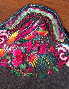 Tissu vintage de Hmong brodé fournitures par KutchiKooTribe sur Etsy