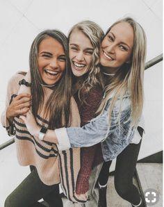 (notitle) - s u n n y - Best Ideas Cute Poses For Pictures, Cute Friend Pictures, Friend Photos, Friend Picture Poses, Bff Poses, Sibling Poses, Newborn Poses, Best Friend Poses, Poses With Friends