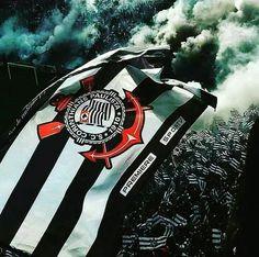 Historia Do Corinthians, Corinthians Love, Sports Clubs, Sports Art, Tumblr Wallpaper, Love Wallpaper, Wallpaper Corinthians, Corinthian Fc, Football Fans