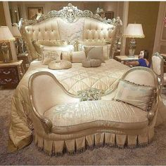 To create a room fit for the royal bedroom, a good option to start has been her bed. Most little girls are a lot less demanding compared to the Princess along with the Pea, so you must have a contented love it Royal Bedroom, Bedroom Sets, Warm Bedroom, Dream Rooms, Dream Bedroom, Bedroom Furniture, Bedroom Decor, Wall Decor, Luxury Furniture