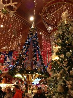 Bronner's Christmas Wonderland, Frankenmuth, Michigan