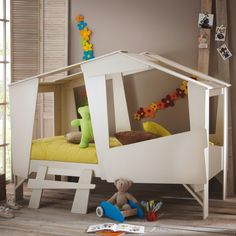 Un lit cabane pour grandir avec ses rêves d'enfant. Prix imbattable
