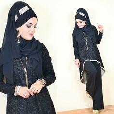 Rahat asimetrik kesim kabartma kumaş likrali çok şık bir tesettür tunik takım Beautiful Hijab, Fashion, Moda, Fashion Styles, Fashion Illustrations