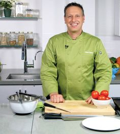 Meet Chef James Smith, our instructor at the Clean Eating Academy.