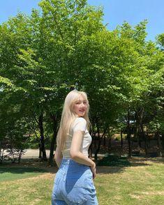 Kpop Girl Groups, Korean Girl Groups, Kpop Girls, Pretty Korean Girls, Latest Music Videos, Ulzzang Korean Girl, G Friend, Indie Kids, Extended Play