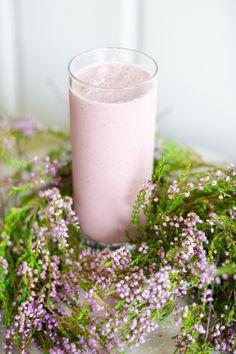 Mansikkasmoothie - maidoton, gluteeniton, raakaruoka