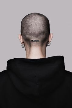 These photos of small tattoos will prove you that bigger is not always better. Get inspiration and ideas for men small tattoos, women small tattoos. Head Tattoos, Small Tattoos, I Tattoo, Short Hair Dont Care, Short Hair Styles, Piercings, Stil Inspiration, Bald Girl, Bald Women