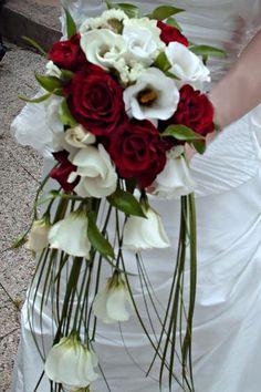 Floral Bouquets, Wedding Bouquets, Floral Wedding, Wedding Flowers, Wedding Planner Book, Deco Floral, Corsage, Marie, Glass Vase