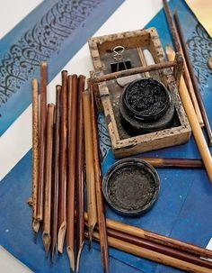 Cálamos y otros instrumentos de caligrafía árabe.