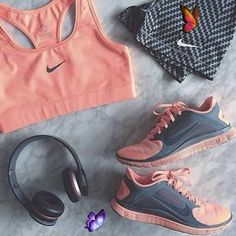 Nike Workout Gear, Workout Wear, Workout Leggings, Workout Outfits, Workout Clothing, Yoga Workouts, Fitness Outfits, Fitness Clothing, Workout Tanks