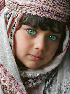 Afghan Girl --- so many Afghans have those spectacular green eyes