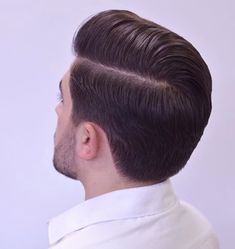 Trending Hairstyles For Men, Classic Mens Hairstyles, Mens Hairstyles With Beard, Hairstyles Haircuts, Haircuts For Men, Medium Beard Styles, Hair And Beard Styles, Short Hair Styles, Hair Tips For Men