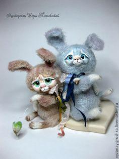 Купить Игрушка вязаная Зайчишка - серый, зайчмик, ЗАЙ, зайчонок, зайчишка, игрушка зайка