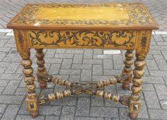 Beschilderde tafel  met kruispoot verbinding,in de kleuren van de Zaanstreek, originele verf, Nederland ca. 1700