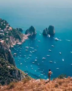 Book a boat tour of Capri island with Musement to visit the Natural Arch, Lighthouse of Punta Carena, and grottoes while cruising around the island. Italy Coast, Amalfi Coast, Beautiful Places To Travel, Beautiful Beaches, Capri Island, New Zealand South Island, Vacation Places, Vacation Trips, Boat Tours