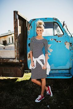 15 Insanely Helpful LuLaRoe Outfit Style Ideas Every Woman Needs Right Now Modest Outfits, Modest Fashion, Casual Outfits, Cute Outfits, Fashion Outfits, Modest Clothing, Casual Skirts, Fasion, Dress With Converse