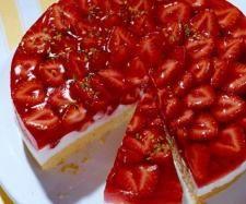 Rezept Erfrischende Erdbeertorte von Frannika - Rezept der Kategorie Backen süß