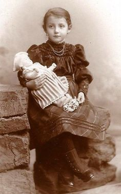 Beautiful Little Girl with Her Doll ---- Germany Cabinet Card Photo