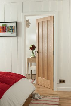 Beautiful oak internal doors give the home a classic, stylish feel. Love them against the cream walls and wooden floor