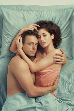 Michael Sheen as Dr. William Masters and Lizzy Caplan as Virginia Johnson in Masters of Sex, Season 2 Michael Sheen, Virginia Johnson, Ray Donovan, Homo, Opening Credits, Movie Tickets, Penny Dreadful, Music Tv, Partner