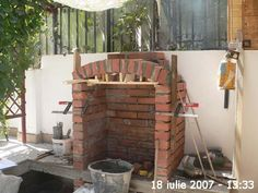 Cuptor de grădină - Capisci Outdoor Fireplace Patio, Outdoor Kitchen Patio, Outdoor Patio Designs, Outdoor Oven, Outdoor Kitchen Design, Outdoor Barbeque, Backyard Barbeque, Barbeque Design, Grill Design