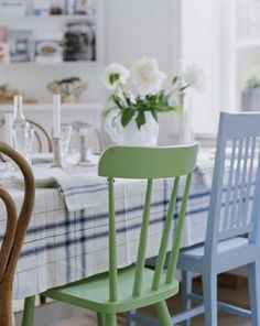 mismatched chairs for a casual look for the dining area