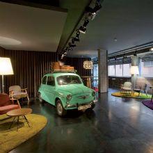 Um hotel onde você é convidado a viver a emoção de um período cultural espanhol. O Hotel Chic & Basic Ramblas foi idealizado pelo projetista Lagranja.
