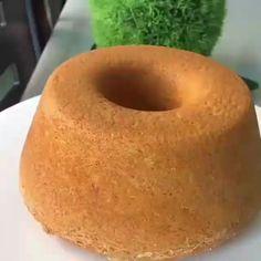 Bolo de Cenoura com Cobertura de Nescau! Carrot Cake with Nescau Frosting! Bolo Diet, Portuguese Recipes, Carrot Cake, Pasta, Doughnut, Frosting, Carrots, Good Food, Banana