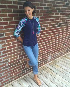 Insanely helpful lularoe outfit style ideas every woman needs right now no 37 – Tuku OKE Casual Outfits, Cute Outfits, Fashion Outfits, Modest Fashion, Fashion Ideas, Spring Outfits, Spring Summer Fashion, Winter Fashion, Lularoe Randy Tee
