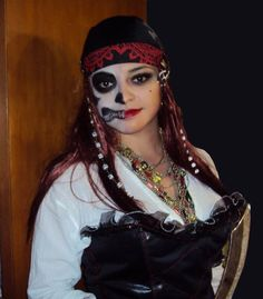 HALLOWEEN MAKEUP: Pirate Wench | HALLOWEEN: Inspiration ...
