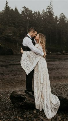 Washington and PNW wedding photographer Henry Tieu captured this beautiful moment in the rain. Dress by Reclamation Design Company Elopement Wedding Dresses, Elope Wedding, Boho Wedding, Dream Wedding, Hipster Wedding, Wedding Country, Country Weddings, Vintage Weddings, Lace Weddings