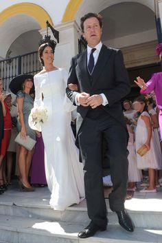 La boda de Iván Bohórquez reúne a la familia de Bertín Osborne con 'El Litri' y Carolina Herrera. Vestido de Roberto Diz