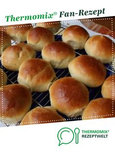 Kindergarten bun - Kindergarten rolls from Peppi. A Thermomix ® recipe from the category baking sweet www. Smoothie Recipes For Kids, Baby Food Recipes, Healthy Recipes, Pastry Shop, Unsweetened Cocoa, Smoothie Bowl, Recipe Using, Kids Meals, Food And Drink
