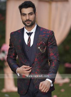 Wedding Dresses Men Indian, Wedding Dress Men, Wedding Suits, Indian Men Fashion, Mens Fashion Suits, Mens Suits, Blazer For Boys, Blazers For Men, Green Suit Men
