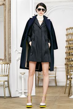 http://www.fashionsnap.com/collection/dior/2014-15aw-pre/gallery/index4.php