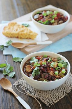 Crockpot Vegetarian Chili with Farro - Cookie Monster Cooking