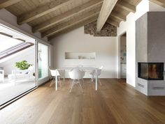 parquet rovere naturale idea for a closed balcony with light? Casa Milano, A As Architecture, Casa Loft, Attic Bedrooms, Attic Renovation, Attic Spaces, Mid Century House, Wooden Flooring, Flooring Tiles