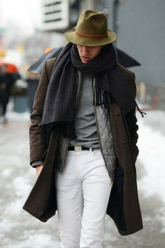 Men's Dark Brown Overcoat, Grey Quilted Bomber Jacket, Grey Crew-neck T-shirt, White Chinos Outfits Casual, Mode Outfits, Winter Outfits, Casual Wear, Mode Masculine, Sharp Dressed Man, Well Dressed Men, Mens Scarf Fashion, Men Fashion