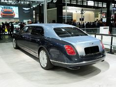 Since its introduction in the Bentley Mulsanne is Bentley's flagship limousine. The Mulsanne has a twin-turbo. Rolls Royce Silver Spirit, Rolls Royce Limousine, Bentley Mulsanne, Bentley Car, Luxury Cars, Touring, Mercedes Benz, Automobile, Flying Spur
