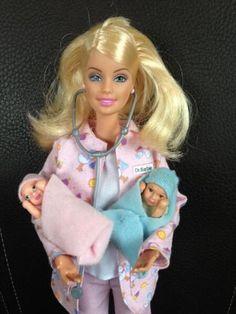 Rarität!Verkaufe hier die Barbie Kinderärztin mit Untersuchungstisch und zwei…