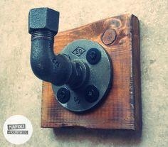 Industrial pipe towel hook / coat hook. Made in Greece from mafou-industrial. #handmade #industrial #design #pipedesign #pipedesigncompany #pipeideas #pipedecor #plumbingideas #industrialideas #plumbingpipes #waterpipeideas